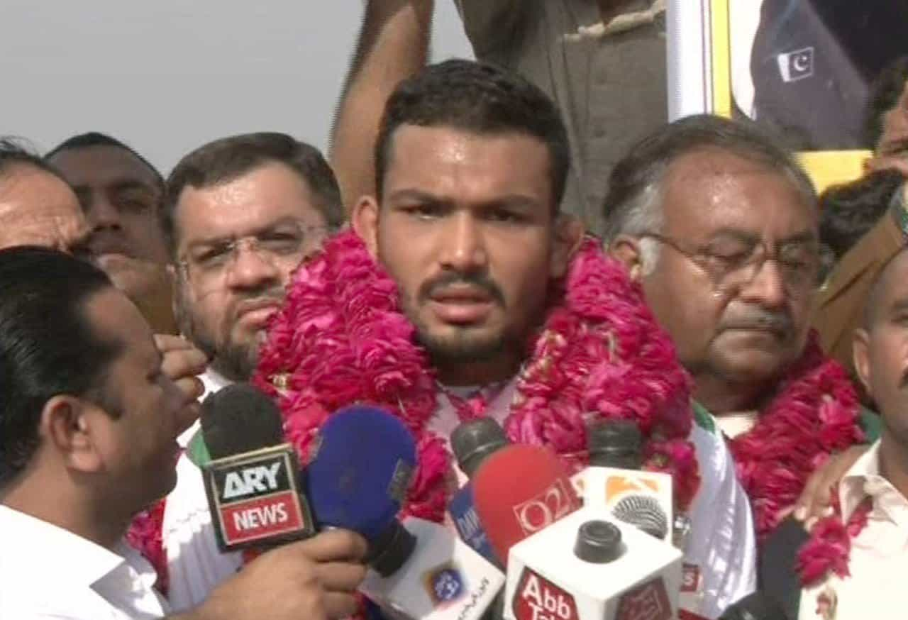 Pakistani wrestlers return home from Commonwealth Games