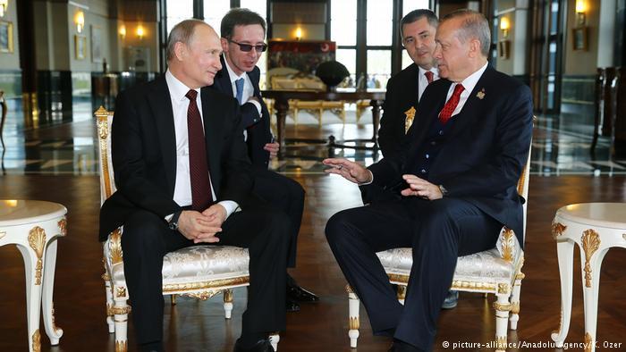 Putin and Erdogan meet before summit on Syria