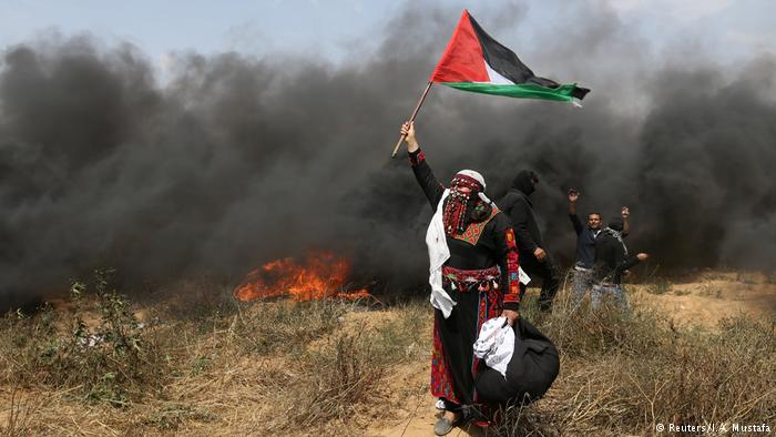 Israeli army kills 3 Palestinians in Gaza border fence