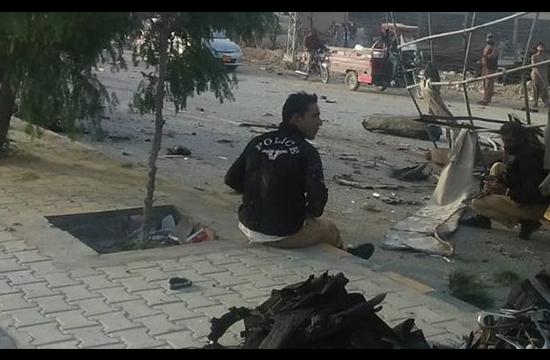Five policemen martyred in series of blasts in Quetta