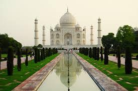 Strong winds destroy Taj Mahal's minarets as pillars topple down