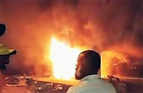 Fire breaks out in Khaadi & Al Karam, Karachi