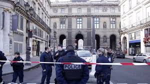 1 killed and 4 injured during a deadly knife attack in Paris, IS claims responsibility