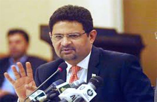 Miftah advocates that PPP criticisms against petroleum prices are unjustified