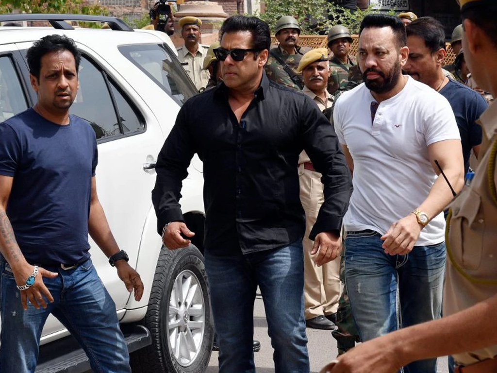 Salman Khan returns from Mumbai for black bucks' court hearing