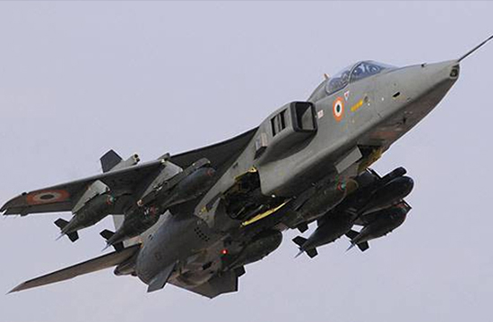 Pilot killed as Indian warplane crashes in Gujarat