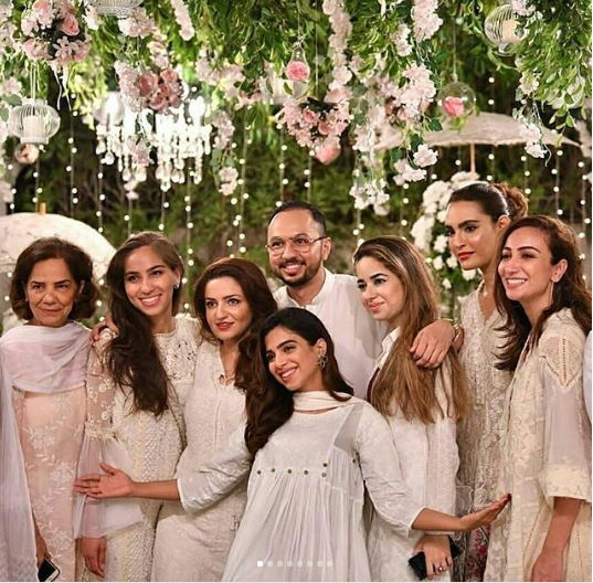 Tis the season to wear White! It's trendy, classy and perfect for this Eid!