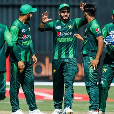 Pakistan to face red-hot Australia in T20 tri-series today
