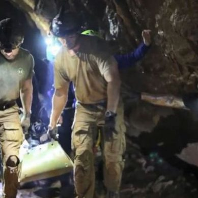 Thai-cave: 2 Australian divers granted with diplomatic immunity before rescue in case the operation failed