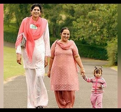 Pakistan's tallest woman Zainab Bibi passes away