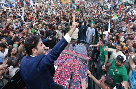 """""""Help us win, so we can resolve your issues"""", assures PPP chairperson, Bilawal Bhutto, ahead of elections"""