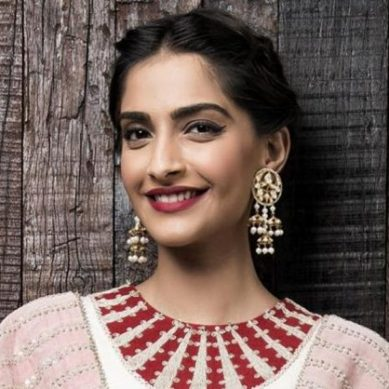 Sonam Kapoor just won hearts. Cheers to all Pakistani fans out there!