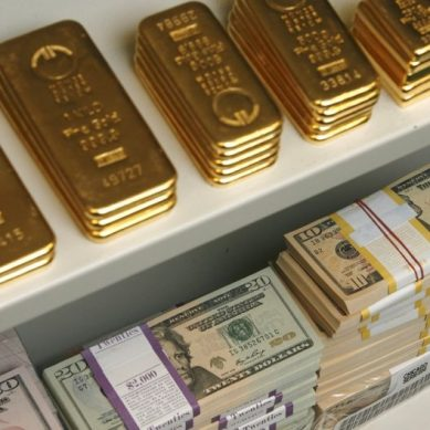 Gold steady as dollar stirs off the boil