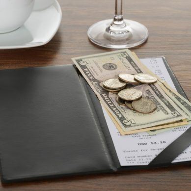Tips to save money at restaurants