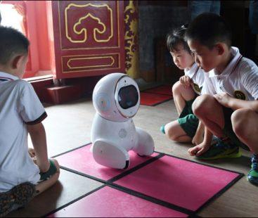 Robocompanion 'Keeko' hits Chinese Kindergartens