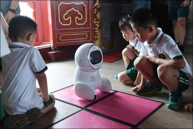 Robocompanion 'Keeko' hits Chinese Kindergartens