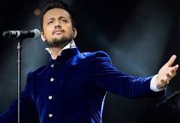 Pakistani fans disappointed with Atif Aslam for singing an Indian song at an event that marked Independence Day