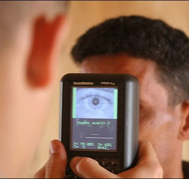Singapore to scan travelers' eyes at checkpoints