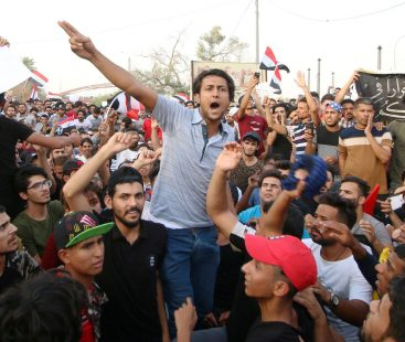 Protests in Iraq for contaminated water and power outages