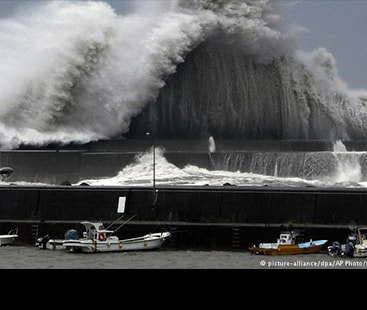 Japan prepares for the arrival of powerful typhoon Jebi
