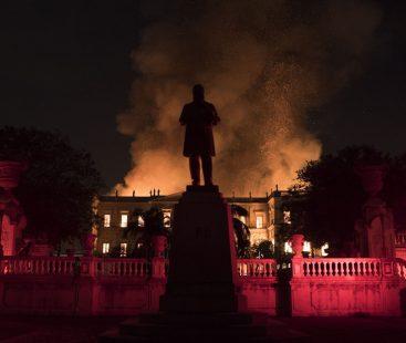 Fire devours precious National Museum of Rio de Janeiro