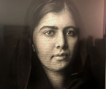 London gallery flaunts a new portrait of Nobel Laureate Malala Yousufzai