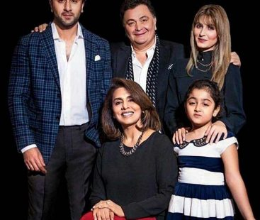 Rishi Kapoor suffering from third stage cancer?