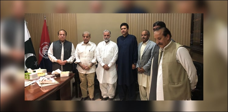 President and CEO ARY Digital Network Salman Iqbal donates $100, 000 for the Dam Fund