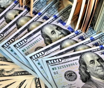 US Dollar hikes to Rs146.25 in open market