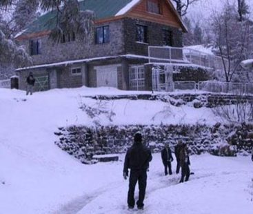 Murree, Peshawar, Mansehra, Swat and parts of KP receive snowfall and rain showers