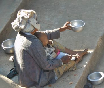 Man in Lahore disguised as beggar arrested