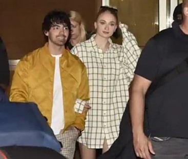 Sophie Turner and Joe Jonas reach India for Nick, Priyanka's wedding