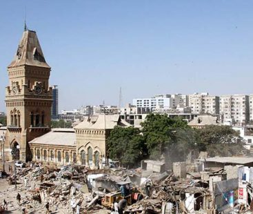 Encroachment Drive: Nearly 1000 shops demolished in Karachi's Saddar area