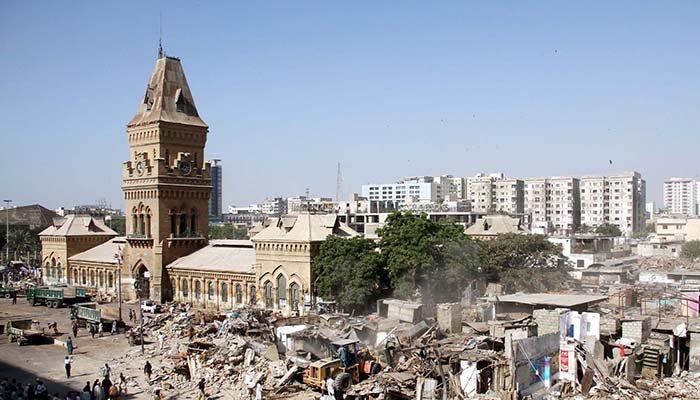 Encroachment Drive: Nearly 1000 shops demolished in Karachi's Saddar area