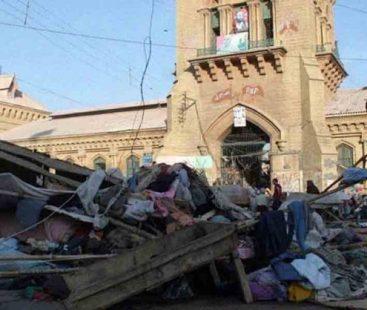 Saddar's anti-encroachment drive blocks traffic
