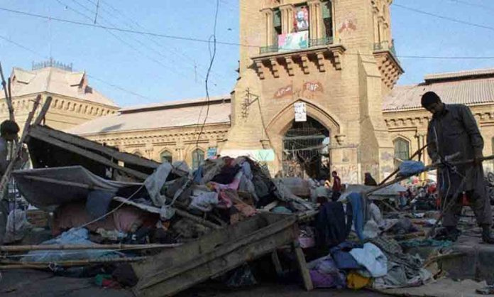 Saddar's anti-encroachment drive blocks traffic
