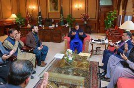 PM condoles SP Tahir Dawar's martyrdom with family
