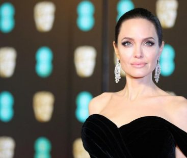 Angelina Jolie hints a move, pursuing career in 'politics'