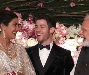 Priyanka-Nick exchange greetings and pleasantries with Modi during wedding reception