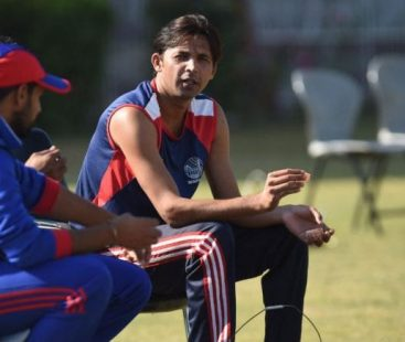 Sports icon Mohammad Asif and family injured in Lahore's road accident