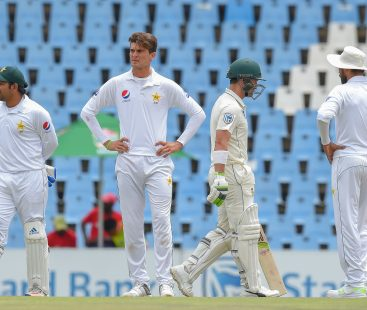 Controversy: Pakistan trapped, South Asia victorious on the third day of the first Test