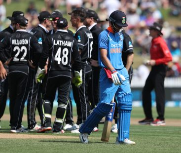 New Zealand beat India by eight wickets in 4th ODI