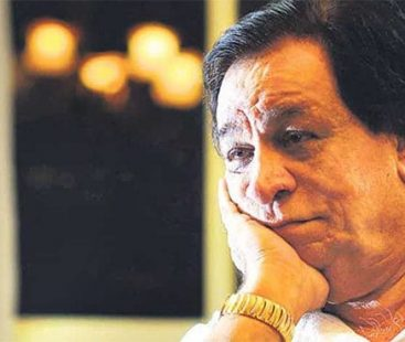 Veteran Bollywood actor Kader Khan passes away after a prolonged illness