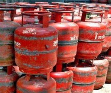 Ogra inches up LPG price by Rs.2