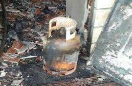 Gas cylinder explosion leaves 5 injured