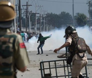 Indian troops martyr two youth in IoK's Pulwama district
