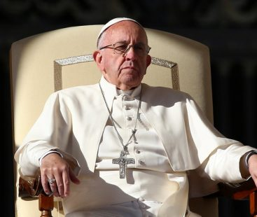 Pope Francis makes first papal visit to Arab Gulf state
