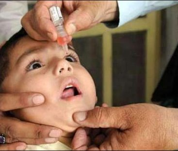 Peshawar: 40 children allegedly fell sick after being administered anti-polio drops