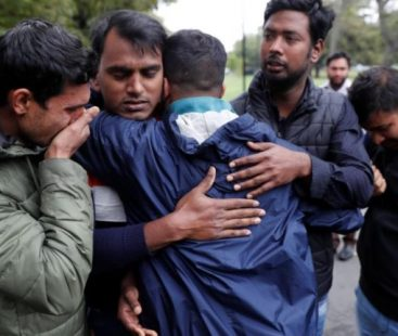 Christchurch: shootings toll rises to 50, bereaved families wait to bury the dead