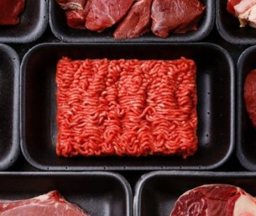 """Eating even a little red meat """"increases the risk of cancer"""""""